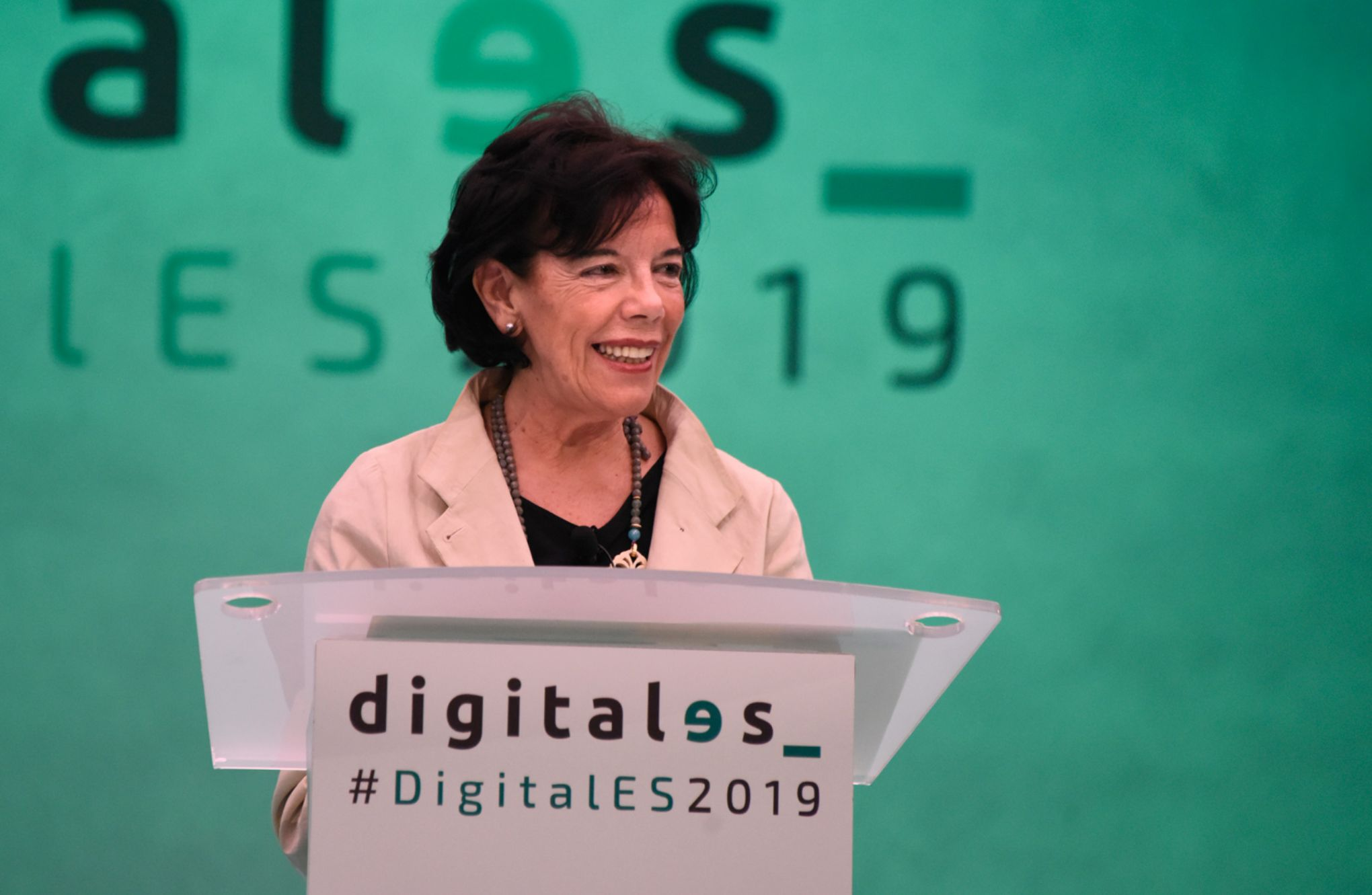 Isabel Celaá en el DigitalES Summit 2019