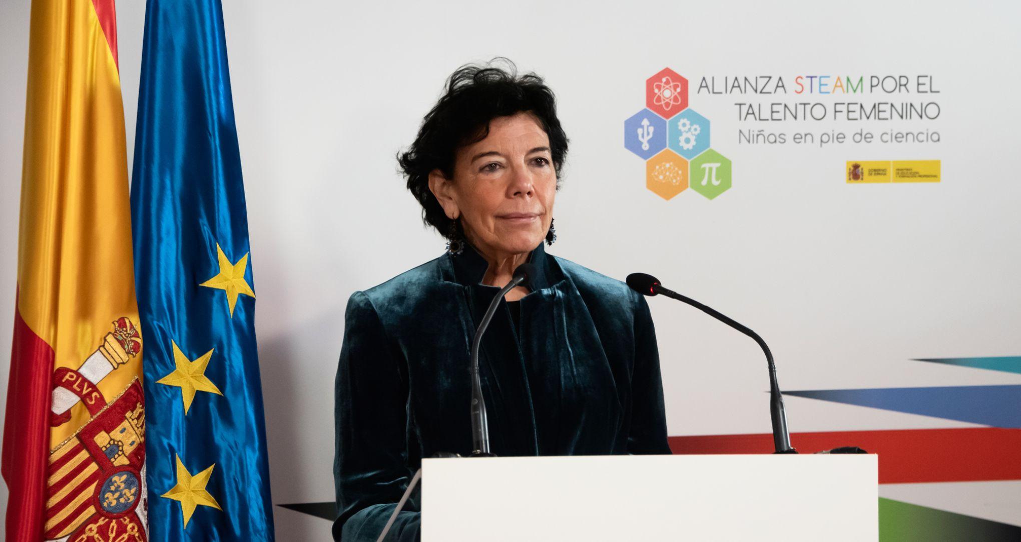 La ministra Isabel Celaá durante la presentación de la Alianza STEAM.
